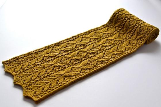 bosc_scarf_rolled_long_medium2